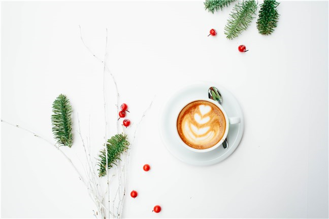 Morning Coffee on Christmas by Toa Heftiba