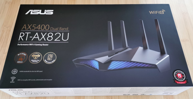 The packaging used for ASUS RT-AX82U
