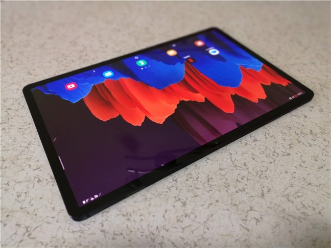 Perspective view of the Samsung Galaxy Tab S7+