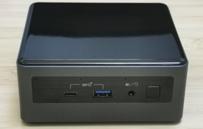 The ports on the front of the Intel NUC10i5FNH