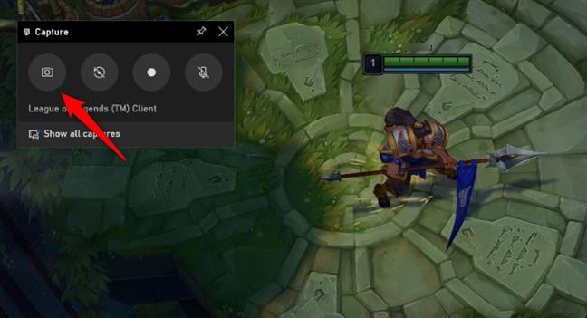 The Take screenshot button from Windows 10's Xbox Game Bar