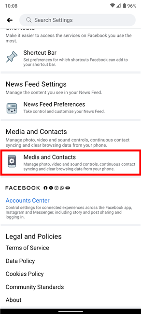 Para desactivar los sonidos en la aplicación de Facebook, acceda a Medios y contactos en la parte inferior