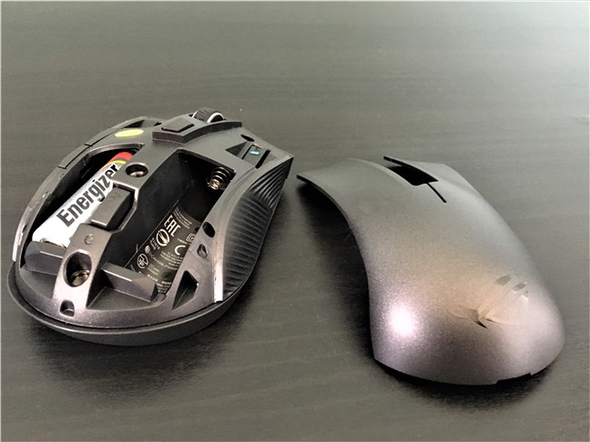 The ASUS ROG Strix Carry mouse uses 2 AA batteries