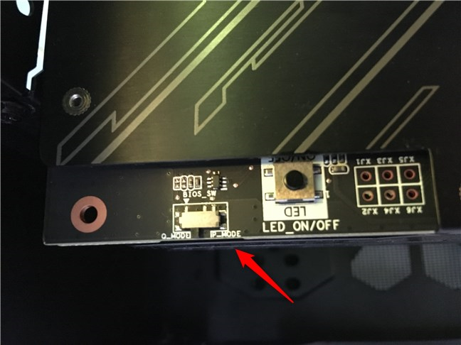 The Quiet Mode and Performance Mode switch
