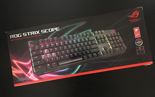 The packaging used for ASUS ROG Strix Scope