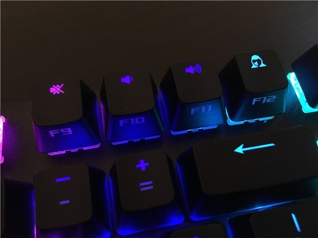 The F12 key is used as a Stealth key on the ASUS ROG Strix Scope