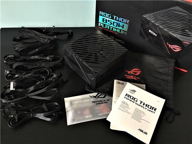 ASUS ROG Thor 850W Platinum PSU: what's inside the box