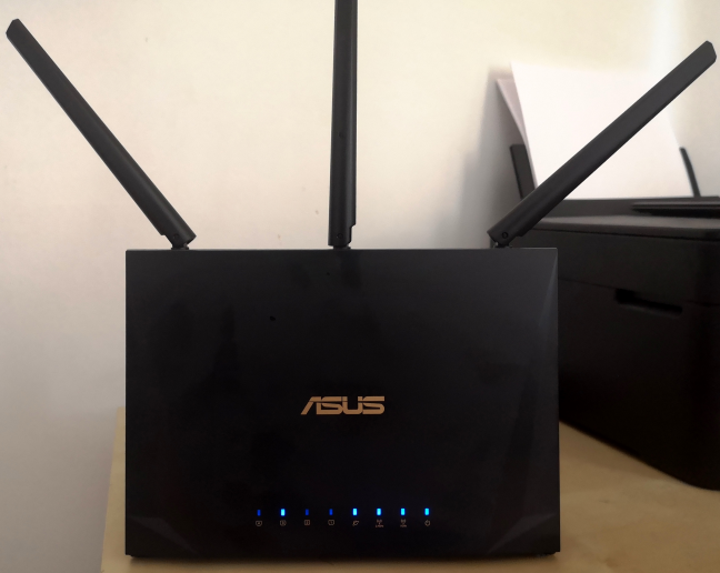 ASUS RT-AC85P AC2400 turned on