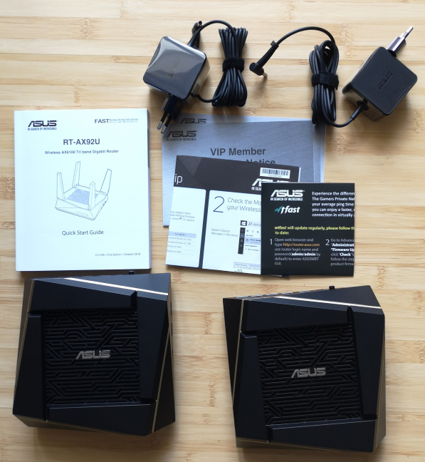 ASUS RT-AX92U - what is inside the box