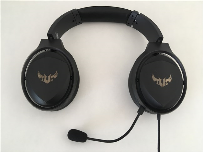 The ASUS TUF Gaming H5 headset with the detachable boom mounted