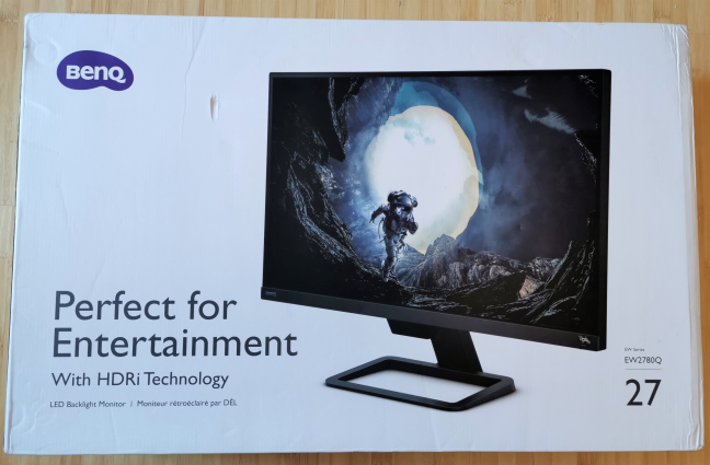The packaging for the BenQ EW2780Q