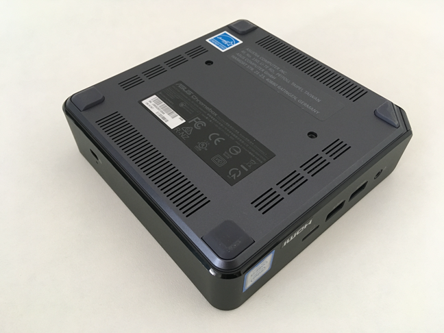 The backside of the ASUS Chromebox 3