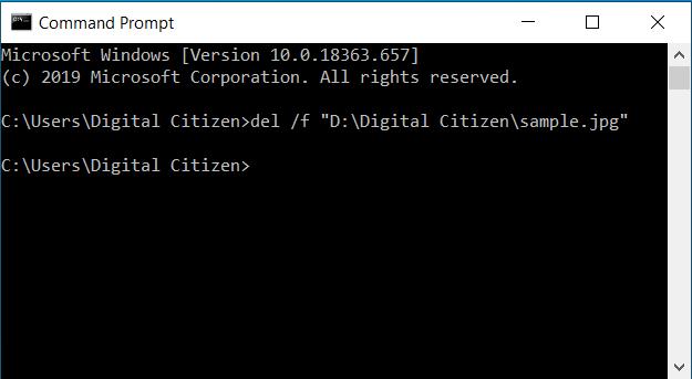 Eliminar un archivo de solo lectura del símbolo del sistema