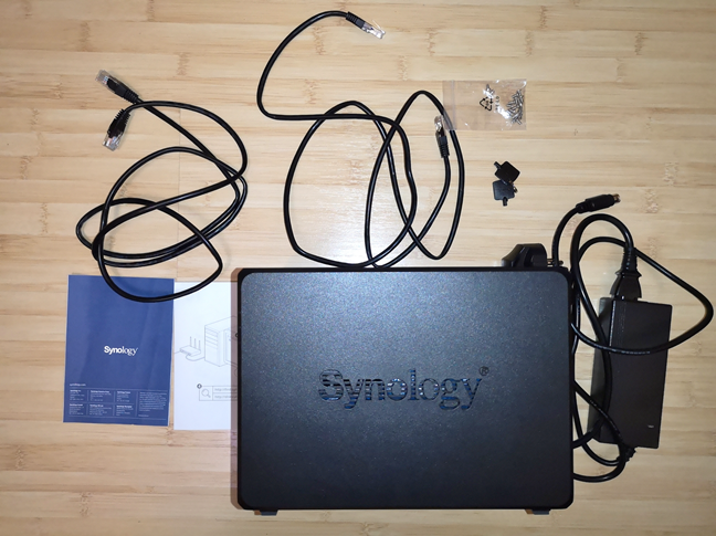 Synology DiskStation DS418 - what is inside the box