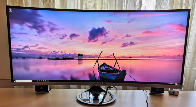 ASUS Designo Curve MX38VC - an ultra-wide curved monitor with an IPS panel