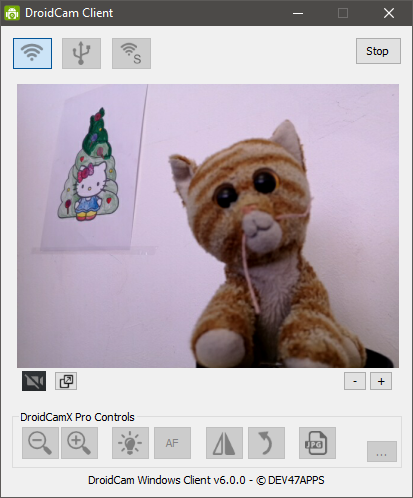 DroidCam shows a live preview from the Android phone camera