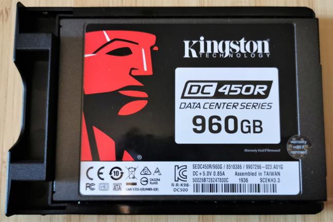 Kingston DC450R SSD used inside Synology DiskStation DS419slim