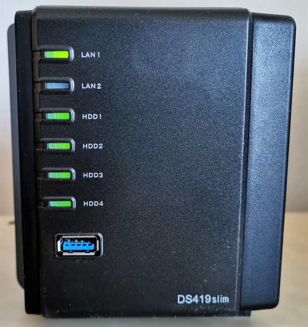 Synology DiskStation DS419slim - The LEDs on the front