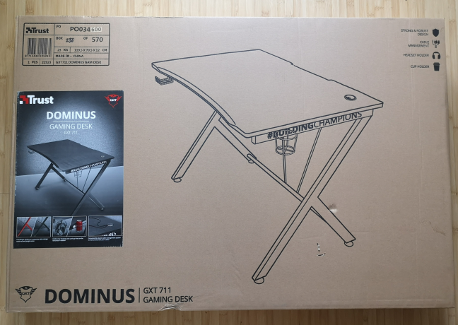 The packaging of the Trust GXT 711 Dominus gaming desk
