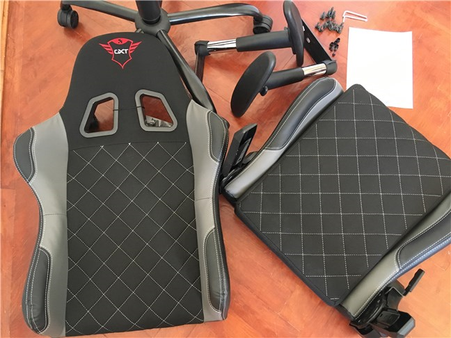 Trust GXT 707 Resto V2 gaming chair: what's inside the box
