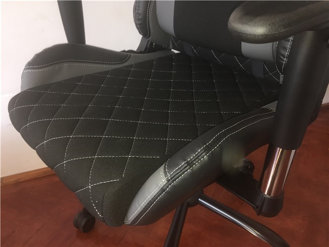 The seat of the Trust GXT 707 Resto V2 gaming chair
