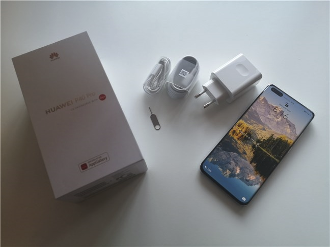 Unboxing the Huawei P40 Pro