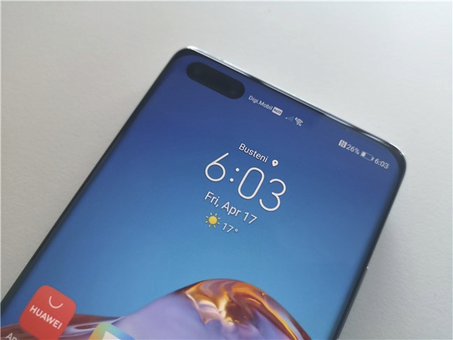 Huawei P40 Pro: the front cameras are found inside an elliptical cutout