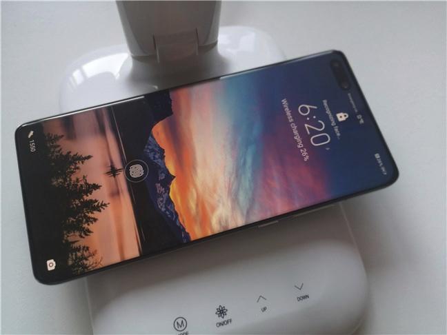 Huawei P40 Pro supports wireless charging