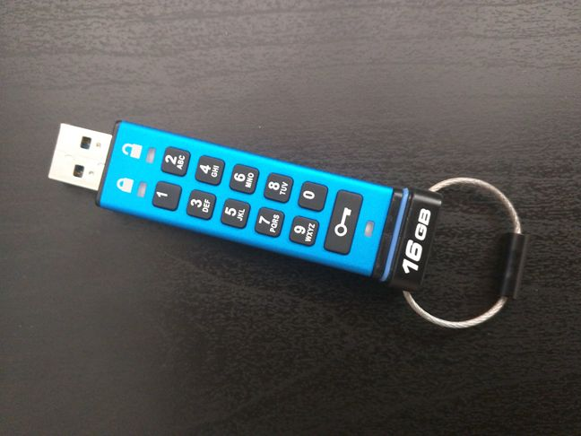 Kingston DataTraveler 2000, USB, memory stick, encrypted, PIN, protection