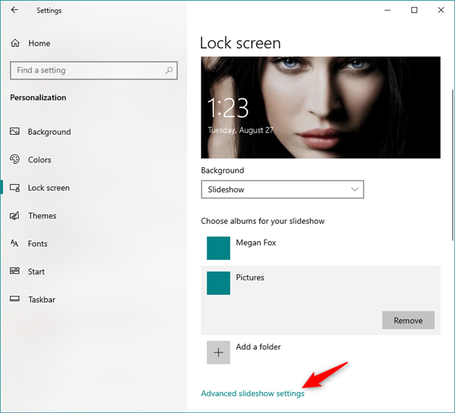 The Advanced slideshow settings link in Windows 10