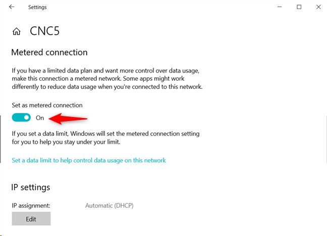 Setting a Wi-Fi connection as metered