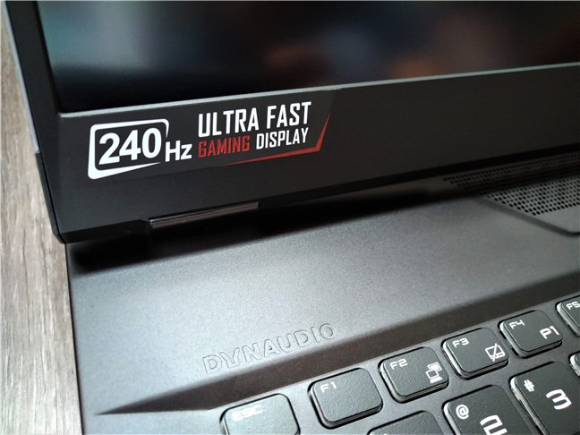 MSI GT76 Titan DT 9SG can have an ultra-fast display with a refresh rate of 240 Hz