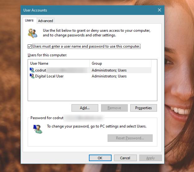 La ventana Cuentas de usuario de netplwiz