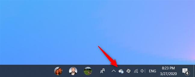 Icono de OneDrive en el área de notificación de la barra de tareas