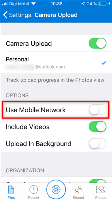 Choosing to use the mobile network to upload pictures to OneDrive