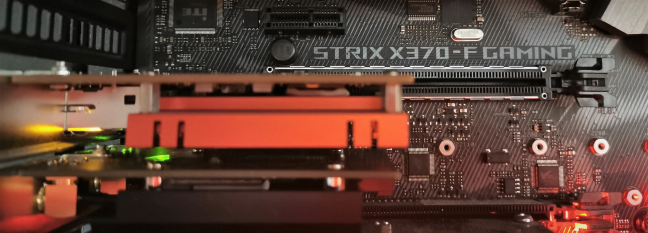 A PCIe x1 card in a PCIe x16 slot