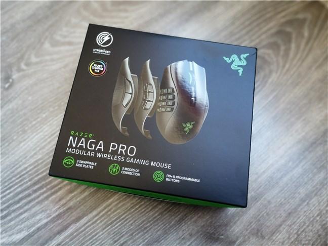 Razer Naga Pro: The box