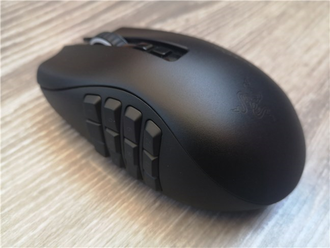 The 12-buttons side plate of the Razer Naga Pro