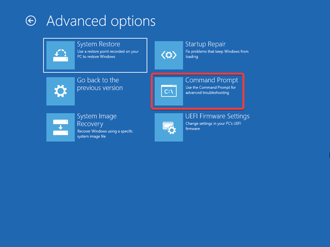 Starting the Command Prompt from the Windows 10 recovery drive