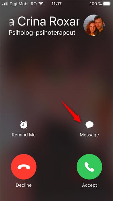 Elegir responder con texto tocando Mensaje en la pantalla de llamada entrante