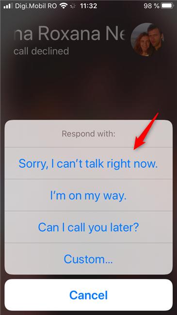 Responda a una llamada entrante con una respuesta rápida, en un iPhone