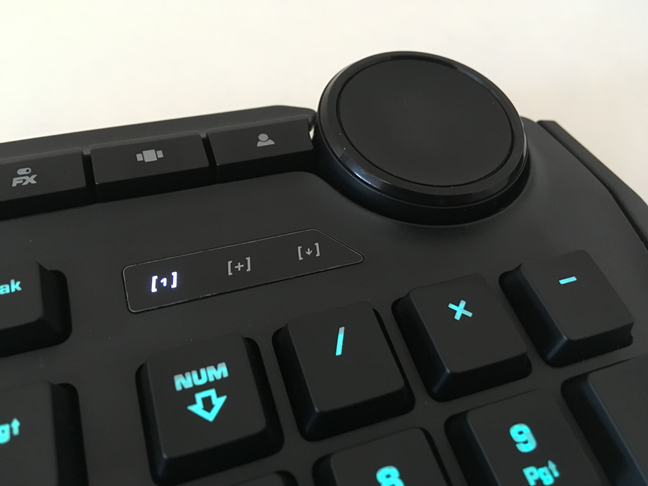 Keys on the ROCCAT Horde AIMO where the backlight does not look great