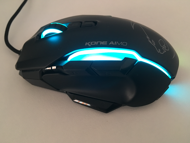 The side buttons on the ROCCAT Kone AIMO mouse