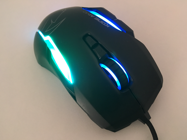 The buttons on the ROCCAT Kone AIMO mouse