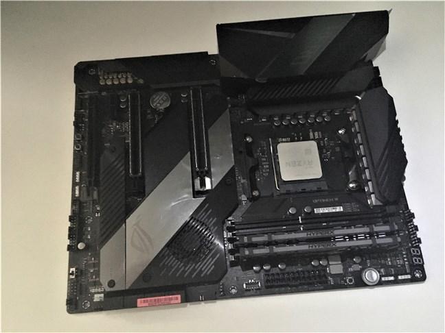 AMD Ryzen 5 3600X on an ASUS ROG Crosshair VIII Hero motherboard