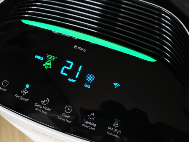 The display on the Samsung AX60R5080WD air purifier