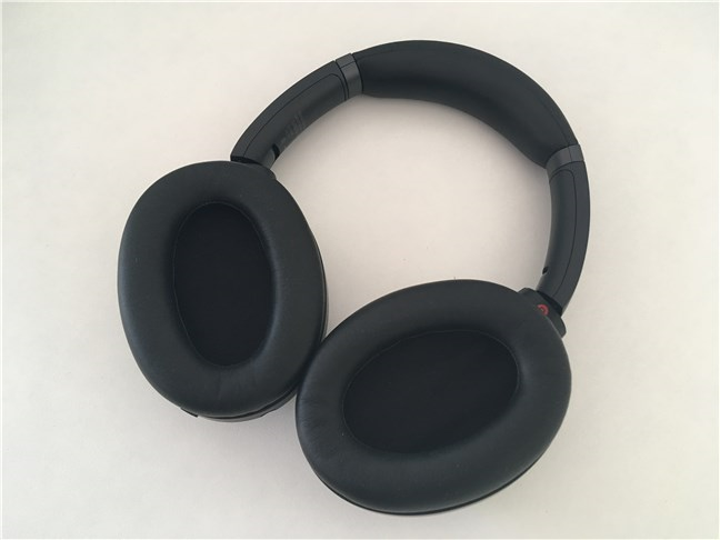 The ear cups on the Sony WH-1000XM3 wireless headset