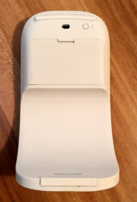 The bendable tail of the Microsoft Surface Arc Mouse