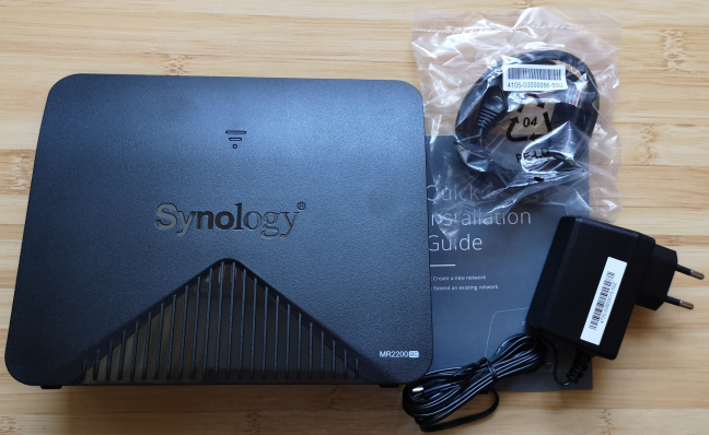 Synology MR2200ac - What is inside the box