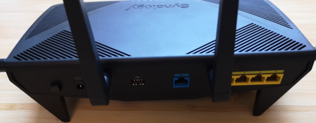 The ports on the back of the Synology RT2600ac